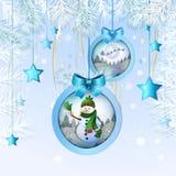 Julen klumpa ihop sig med snowmanen Royaltyfri Bild