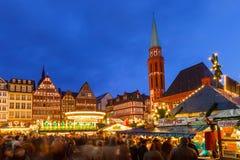 Julen market i Frankfurt Arkivfoton