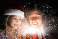 julen någon den strumpor görade randig överrrakningen trippar till treexmas Arkivbilder