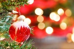 Julen smyckar med lampor Arkivbild