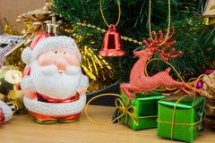 julen stänger nytt övre år för garneringar Arkivfoto