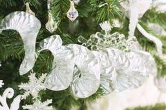 julen stänger upp girlanden Arkivfoton