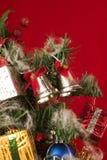 julen stänger upp treen Arkivbilder