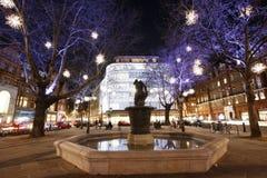 Julen tänder skärm i London Royaltyfria Bilder