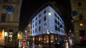 Julen tänder in via Montenapoleone Royaltyfri Foto