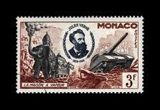 Jules Verne 1828-1905, berömd vetenskapsförfattare och ångahus, militära maskiner, circa 1955 , Arkivbild