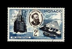 Jules Verne, escritor famoso da ciência e cidade de flutuação, Mônaco, cerca de 1955, Imagem de Stock Royalty Free