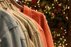 julförsäljningsskjortor Arkivfoto