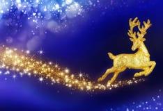 Julfantasi med den guld- renen Royaltyfria Bilder