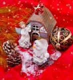 Julfortfarande-livstid med ängel och prydnaden Royaltyfria Bilder