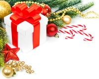 Julgåva med garnering royaltyfri bild