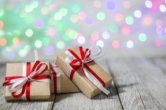 Julgåvaask mot bokehbakgrund letters amerikansk för färgexplosionen för kortet 3d ferie för hälsningen för flaggan nationalformsp Royaltyfria Bilder