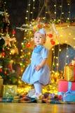 julgåvaflicka little Royaltyfria Foton