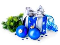 Julgåvan boxas och garneringar Royaltyfria Bilder