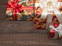 Julgåvor ar redan köpta och ar packade Fotografering för Bildbyråer