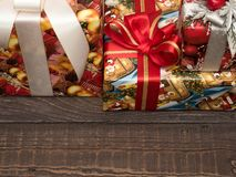 Julgåvor ar redan köpta och ar packade Royaltyfri Bild