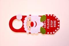 Julgarnering för hem- ingångsdörr Arkivfoton