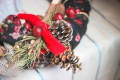Julgarnering från en julgran Arkivfoto