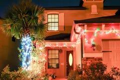 Julgarnering i ett hem Arkivfoto