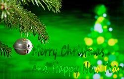 Julgarnering med glad jul för text fotografering för bildbyråer