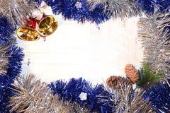 Julgarnering med klockor Arkivfoto