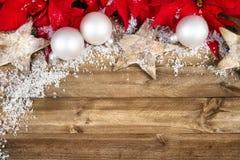 Julgarnering på trä royaltyfri fotografi
