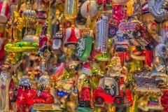 Julgarnering shoppar i Graz, Styria, Österrike arkivfoton