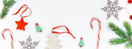 Julgarneringmodell på vit bakgrund royaltyfria foton