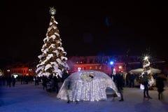 Julgran av Kaunas fotografering för bildbyråer