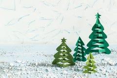 Julgran för danande 3D från papper Moment 7 Arkivfoto