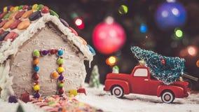 Julgran för pepparkakahuset Royaltyfri Bild