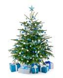 Julgran i blått och silver med gåvaaskar Royaltyfri Fotografi