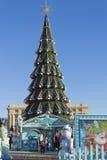 Julgran i den huvudsakliga fyrkanten Royaltyfri Fotografi