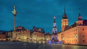 Julgran i gammal Warszawa Arkivfoton