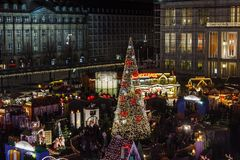 Julgran i Leipzig royaltyfri foto
