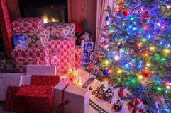 Julgran i livingroomen Royaltyfri Bild