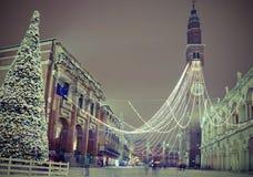 Julgran i Vicenza City i nordliga Italien och den huvudsakliga måndagen Arkivfoton