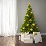 Julgran med den guld- dekoren i klassiskt stilrum med mörker f Arkivfoto