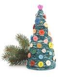 Julgran med garn och knappar Royaltyfria Bilder