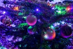 Julgran med garnering, närbild Fotografering för Bildbyråer