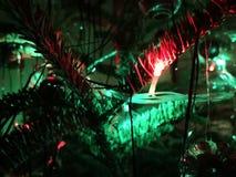 Julgran med garneringen royaltyfria bilder