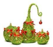 Julgran och hängande leksak för bollgarnering, Xmas-dekor Arkivbild