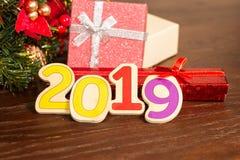 Julgran och kort för nytt år arkivbild