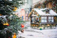 Julgran och marknad, Moskva Royaltyfria Bilder