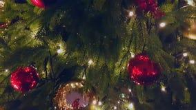 Julgran på den utomhus- marknaden arkivfilmer