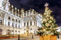 Julgran på det Waterloo stället i 2016, London royaltyfri fotografi