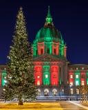 Julgran på San Francisco City Hall Arkivbilder