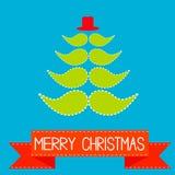 Julgran som göras från mustascher.  Rött band.  Glade Christma Arkivbilder