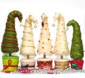 Julgranar som göras av sisal royaltyfri foto