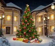 Julgranen med garnering, jul klumpa ihop sig royaltyfria foton